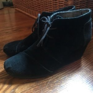 Toms wedge w10